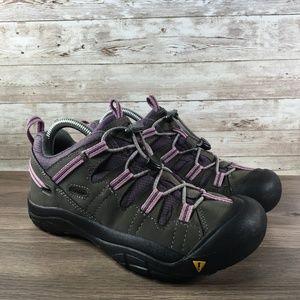 Keen Oakridge Youth Size 5 Waterproof Hiking Shoe